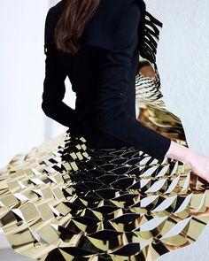 Metal dress by #Cihuah and #PabloKobayashi #mbfwmx