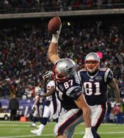 Gronkowski & Hernandez - the Patriots awesome tight-end tandem