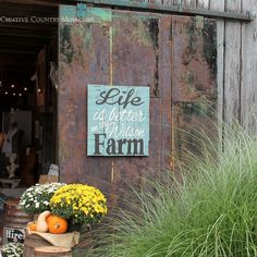 Creative Country Mom's Garden: My Trip To Chandelier Barn Market....  Ever dreamed of hosting your own Country Living Fair?  That is what my new friend Lisa Wilson dreamed of....  And she lived in the perfect place to do it...  Wilson Farm in Southern Indiana.   See all the photos here....  http://creativecountrymom.blogspot.com/2014/09/my-trip-to-chandelier-barn-market.html