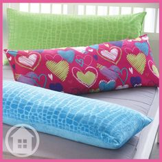#PillowTalk: People who have difficulty sleeping are likely to benefit from body pillows. Do you sleep with one? #annaslinens #pillows #sleep