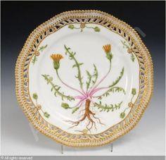 "Royal Copenhagen Flora Danica   ROYAL COPENHAGEN COMPANY (Denmark),Durchbruchteller ""Flora Danica ..."