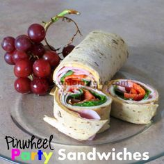 Looking for some easy picnic food for your next family gathering? Check out our 55 Easy Picnic Food Round Up here! Party Sandwiches, Wrap Sandwiches, Kids Picnic Parties, Easy Dinner Recipes, Easy Meals, Easy Recipes, Cool Lunch Boxes, Picnic Foods, Sandwich Recipes