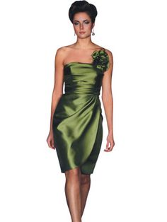 @Joanna Lynn - Bridesmaids in green & if you click the pic there is a long one at the bottom but NOT in this green, in an evergreen/forest green. Not sure on the material? Would have to see it on