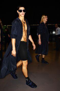 http://www.sonnyphotos.com/2016/06/versace-men-ss17-fashion-show-milan-backstage