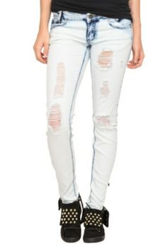Puzzle Distressed Bleach Wash Skinny Jeans