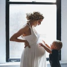 Pick me up. .  .  .  #35weeks #babyontheway #siblings #maternity #babybump #bump #pregnant #baby #motherhood #motherhoodrising #stylishbump #thirdtrimester #30weeks #pregnancy #babybump #pregnantlife #maternityphotography #bohostyle #motherhoodunplugged #mumtobe #momtobe #pregnancy #stylishbump    #Regram via @mumsgrapevine