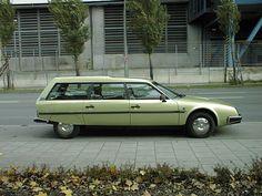 Citroen CX break, de enige auto waar ik zonder rijbewijs in kan rijden....