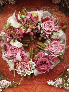 Floral centre in Advent Calender Craftwork Cards Christmas, Christmas Cards, Christmas Themes, Christmas Decorations, Floral Wreath, Flower Wreaths, Advent Calenders, Paper Bouquet, 3d Cards