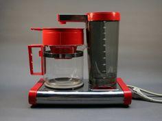 Cafetière électrique rouge MOULINEX . Inox et plastique . Modèle 4009 DESIGN FUTURA  . Vintage Années 70