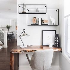 Workspace Inspo and Image Regram thanks to @leclairdecor based in Canada.🖤🖤🖤 Beautiful workspace nook created by the uber talented husband and wife duo @leclairdecor. It's all about that incredible desk!🖤🖤🖤 #workspace #workspaceinspo #workspacegoals #workspacestyle #homeoffice #cooloffice #creativespace #dmcreativespace #studiogoals workspacenook #Regram via @theworkspacestylist