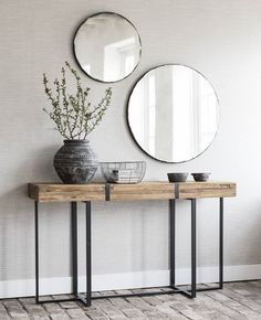 console table and accessories