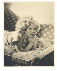 Four Large-Format Vintage Photographs of Young Shirley Temple, One with Inscription $300+ | Fine Art & Rare Memorabilia  Rare Memorabilia  | Auctions Online | Proxibid