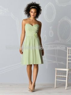 $65  Formal Elegant Knee Length Chiffon Bridesmaid Dress Mint Green Short Junior Bridesmaid Dress-in Bridesmaid Dresses from Apparel & Accessories on Aliexpress.com