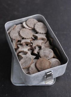 These DIY gluten-free dog biscuits will hit the spot with your pet! (via Design Sponge)