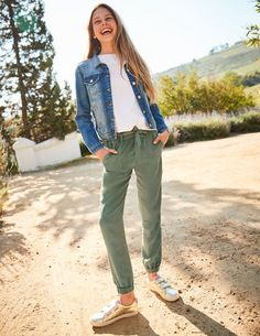 Looking for girls' pants and jeans? Discover our handy collection with a range of colors and styles for ages 0 to 16 years at Boden. Girls Denim Jacket, Jean Jacket Outfits, Denim Coat, Tie Waist Trousers, Kakis, Girls Coats & Jackets, Black Jeans Outfit, Teen Girl Fashion
