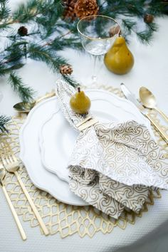 3 Table setting Ideas for your Thanksgiving Table - Fashionable Hostess | Fashionable Hostess
