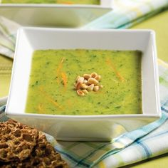 Potage de courgettes - Entrées et soupes - Recettes 5-15 - Recettes express 5/15 - Pratico Pratique Vegan Gluten Free, Vegan Vegetarian, Lose Belly Fat, Guacamole, Zucchini, Easy Meals, Easy Recipes, Vitamins, Salads
