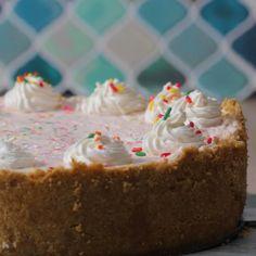 Healthier Instant Oatmeal 4 Ways No Bake Desserts, Dessert Recipes, Frozen Desserts, Key Lime Cheesecake, Cheesecake Recipes, Low Carb Vegetarian Recipes, Tasty, Yummy Food, Something Sweet