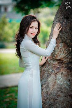 Dolly Le-4219 Vietnamese Traditional Dress, Vietnamese Dress, Traditional Dresses, Preety Girls, Sexy Long Dress, High Neck Dress, Vietnam Girl, Transparent Dress, Cute Asian Girls