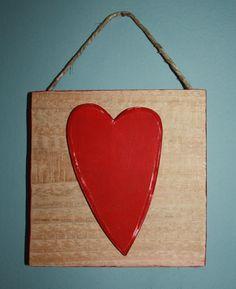 Un cuore di legno si è posato in un quadro... pallet riciclato, spago.