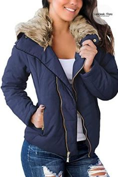 Winter Style // Feel extremely comfortable while still staying fashionable wearing this navy blue faux fur collar zip-up quilted jacket. Faux Fur Collar, Fur Collars, Quilted Jacket, Winter Style, Zip Ups, Diva, Winter Fashion, Navy Blue, Bomber Jacket