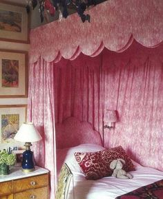pink scalloped canopy bed of dreams Girls Bedroom, Bedroom Decor, Master Bedroom, Bedroom Ideas, Bed Ideas, Bed Crown, Bookshelves In Bedroom, Interior And Exterior, Interior Design