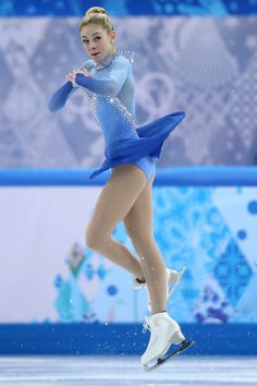 Gracie Gold Photos - Gracie Gold of the United States competes in the Team Ladies Free Skating during day one of the Sochi 2014 Winter Olympics at Iceberg Skating Palace onon February 2014 in Sochi, Russia. Kim Yuna, Olympic Sports, Olympic Games, Figure Skating Olympics, Gracie Gold, Pyeongchang 2018 Winter Olympics, Girls Football Boots, Ice Skaters, Skateboard Girl