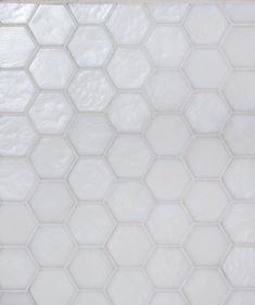 Topps Tiles Botella Carapace Frost Tile way too expensive at price/tile but oh so lovely Kitchen Wall Colors, Kitchen Wall Tiles, Room Tiles, Wall And Floor Tiles, Bathroom Floor Tiles, Kitchen Backsplash, Tiles Uk, Mosaic Tiles, Tiling