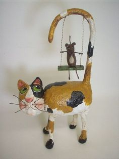 use a bird in a cage instead Primitive Paper Mache Calico Folk Art Cat by papiermoonprimitives Paper Mache Projects, Paper Mache Clay, Paper Mache Sculpture, Paper Mache Crafts, Art Projects, Paper Mache Animals, Art Populaire, Paperclay, Cat Crafts