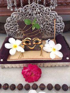 Cute Krishna, Krishna Art, Radhe Krishna, Silver Pooja Items, Lord Vishnu, Krishna Images, Indian Gods, Gods And Goddesses, Hare