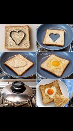 Brød med hjerteformet æg i midten.