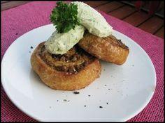 Hurmaavat jauheliha-tai soijakierteet Kotikokki.netin nimimerkki Insanityn tapaan Baked Potato, French Toast, Potatoes, Baking, Breakfast, Ethnic Recipes, Food, Meal, Morning Coffee