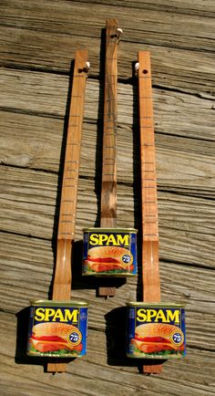 The Spamjo - Made in Tennessee by Henry Hoover A Spamjo (canjo) is a fretted, single string, acoustic instrument with an American-sourced Making Musical Instruments, Homemade Instruments, Diatonic Scale, Mountain Dulcimer, Guitar Tuners, Resonator Guitar, Kalimba, Cigar Box Guitar, Cool Guitar