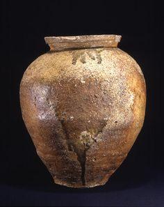 Title Large Wide-mouthed Jar Provenance Shigaraki kiln, Shiga pref. Period Muromachi period Century 15c Materials Shigaraki ware Dimensions H-45.8 D-42