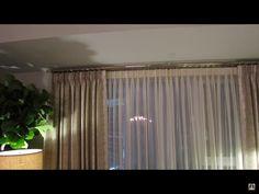 Gardiner uppsatta såhär för hotellkänsla Fowler Homes, House Tours, Curtains, Interior Ideas, Home Decor, Blinds, Decoration Home, Room Decor, Draping