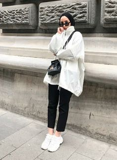 # # # Hijab hijab jean models 2020 – # # # hijab (not … Modern Hijab Fashion, Street Hijab Fashion, Hijab Fashion Inspiration, Muslim Fashion, Modest Fashion, Trendy Fashion, Trendy Style, Simple Style, Casual Hijab Outfit