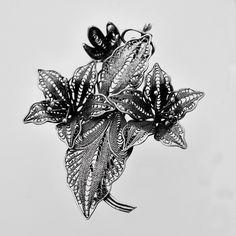 Brosa din argint lucrată in filigran