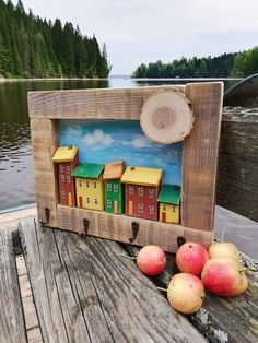 Driftwood Projects, Small Wood Projects, Driftwood Art, Diy Crafts Hacks, Diy And Crafts, Words On Wood, Small Wooden House, Wood Bark, Wooden Crafts