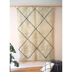 Beauty in simplicity  Many more #handmade beauties are awaiting for you starting from this weekend in Grunewaldestr 89 #berlin  #berberrugs #berber #teppich #handcraft #rugs #beniourain #benylove #beniourainrugs #azilal #sahara #boucherouite #kaktus #silk #baskets #poufs #pillows #boho #bohochic #berlin #shop #shopping #interiors #handgemacht #ethics #empowerment
