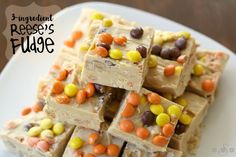 Do you remember the first time you had peanut butter fudge? Try Reese's 3 ingredient peanut butter fudge and recreate the magic! Reese Fudge Recipe, Fudge Recipes, Candy Recipes, Reese's Recipes, Cookie Recipes, Recipies, Fall Recipes, Köstliche Desserts, Delicious Desserts