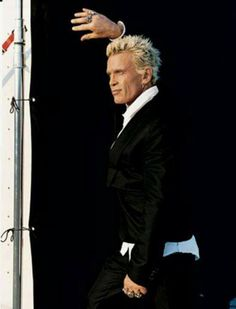 Billy Idol. I love how he dresses for his age now. This is what a 60 year old Man should look like.