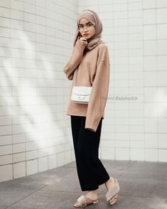 Hijab Fashion Selection of special veiled trendy looks Modest Fashion Hijab, Casual Hijab Outfit, Hijab Chic, Casual Outfits, Fashion Outfits, Modest Outfits Muslim, Ootd Hijab, Fashion Fashion, Fashion Women