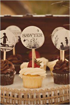 Tom Sawyer and Huck Finn Cupcakes www.spaceshipsandlaserbeams.com