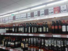 Il vino al supermercato non è una sottospecie: Luca Maroni e il Gambero Rosso in favore delle etichette della Gdo (e di Lidl) www.vinialsupermercato.it #lucamaroni #vino #supermercato #gamberorosso #lidl #wine #supermercato #vinialsupermercato
