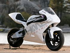 Hanebrink's Hustler electric street bike can run up to eighty miles per hou… - Cars & Motorcycles Club Scooters, Dirt Bike Girl, Girl Motorcycle, Motorcycle Quotes, Automobile, Power Bike, 4 Wheelers, Sportbikes, Love Car