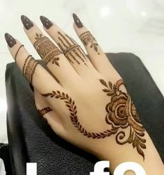 Image may contain: one or more people Kashee's Mehndi Designs, Henna Tattoo Designs Simple, Finger Henna Designs, Mehndi Designs For Beginners, Mehndi Designs For Girls, Mehndi Design Photos, Mehndi Designs For Fingers, Beautiful Henna Designs, Traditional Henna Designs