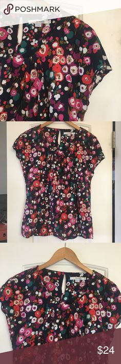 Boden Floral Top Top from Boden in a floral pattern, size 8. Key hole detail in the back. Boden Tops Blouses