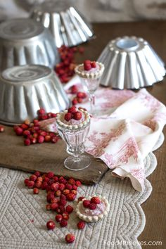 Wild strawberries & ricotta cheese baskets (5)