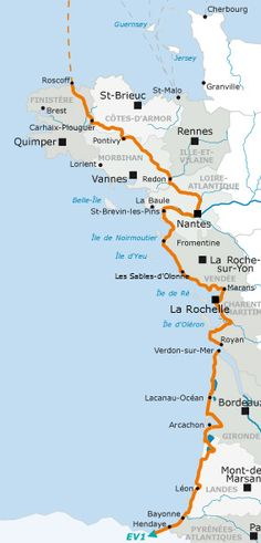 Cycling the Atlantic Coast on La Vélodyssée EuroVelo 1 bike route, hotels and B&Bs for cycling and bike hire - Freewheeling France Circuit Velo, Rando Velo, Cycling Holiday, Der Bus, Touring Bike, Bike Trails, Journey, France Travel, Where To Go