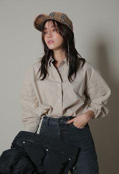 단독으로 입어도 베이직한 셔츠룩이 되고 따뜻한 상의에 레이어링해도 멋나는 기장이에요 :)